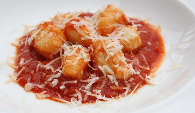gnocchi with tomato and butter