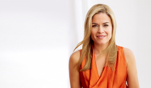 cat cora iron chef