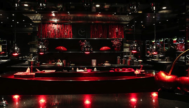 L'Atelier De Joël Robuchon: Recommended by: David Myers (Chef/Owner, Hinoki & The Bird), Ilan Hall (Chef/Owner, The Gorbals), Michele Promaulayko (Editor-in-Chief, Yahoo Health), Julia Stiles (Actress), Abby Elliott (Actress)