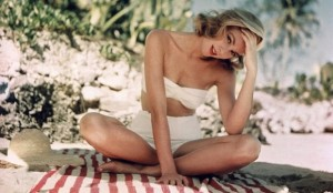 grace-kelly_white-swimsuit