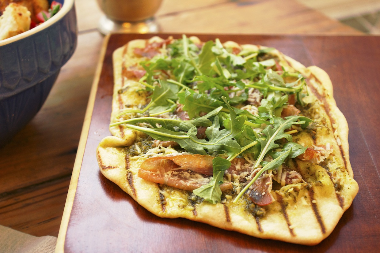 grilled-flatbread-with-prosciutto-parmesan-and-arugula