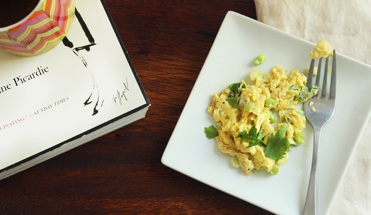 slow-scrambled-eggs-with-scallions
