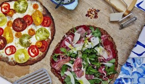 cauliflower pizza with parma ham and tomatoes