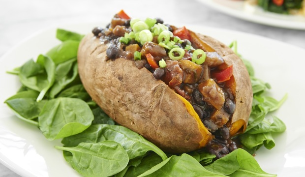 roasted sweet potato with black beans