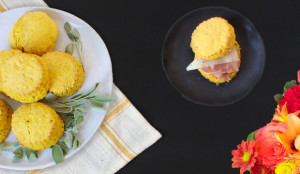 biscuit with prosciutto and cheese manchego