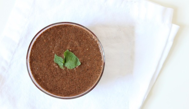 healthy chia pudding with almond milk