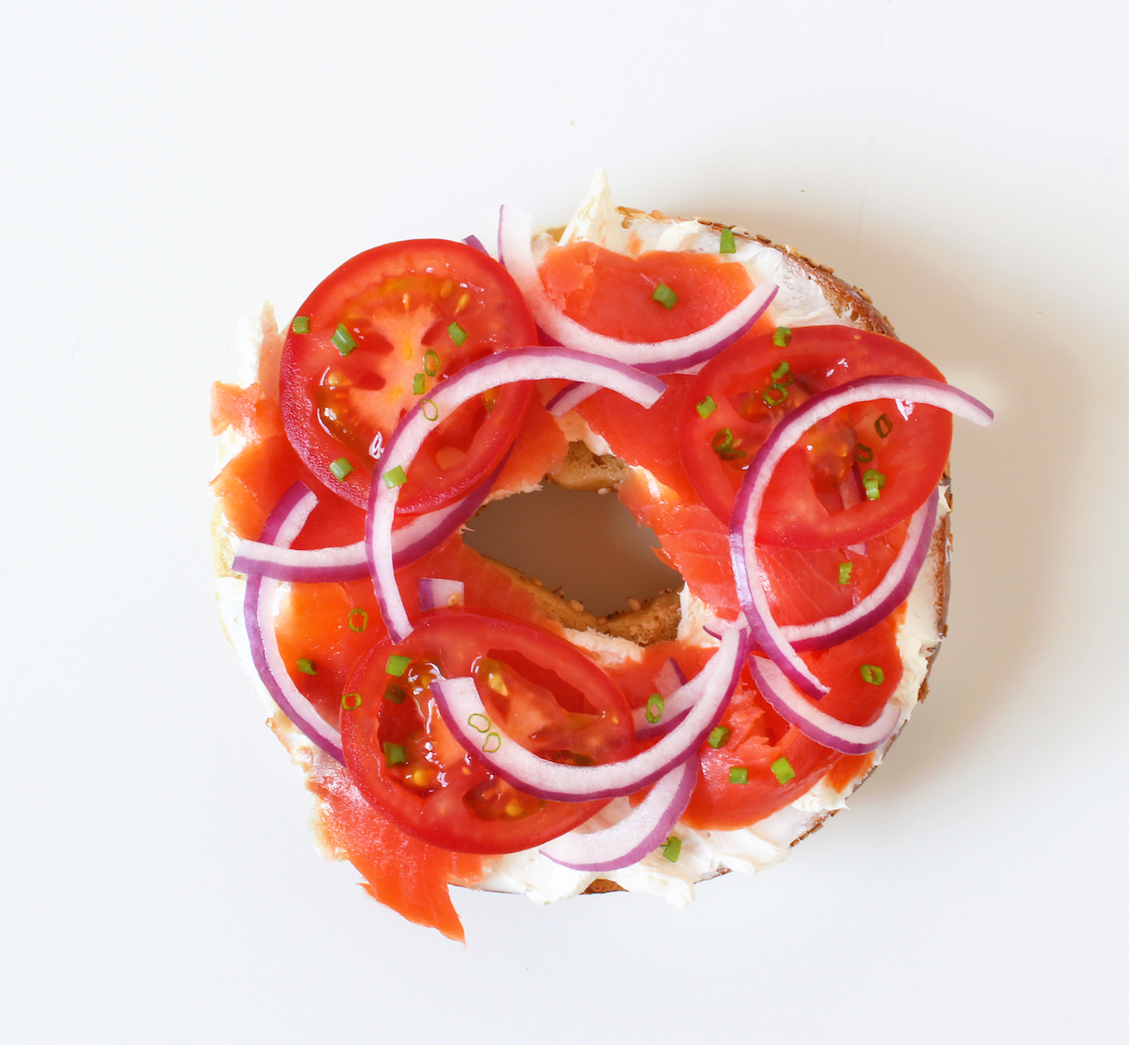 cream-cheese-lox-tomato-and-onion-bagel