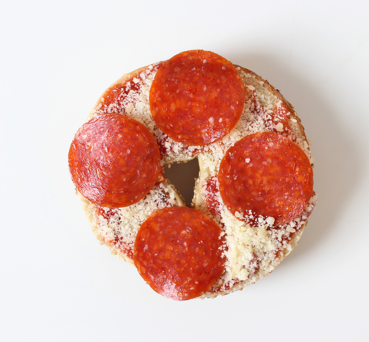 pepperoni-pizza-bagel