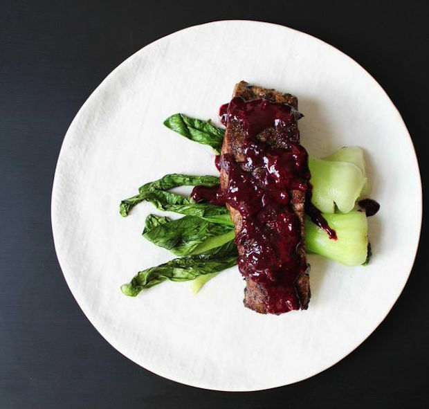 flank-steak-with-reduction-sauce-and-vegetables