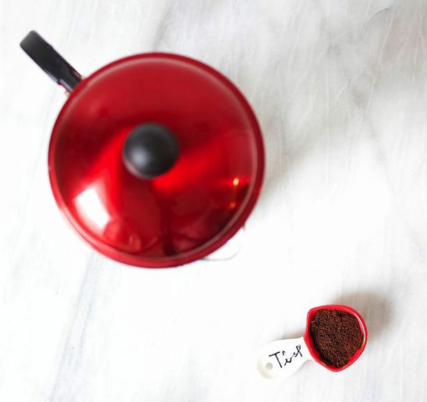 french-press-coffee-brewing