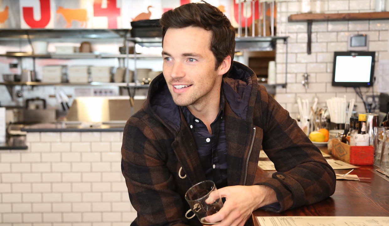 Ian Harding Pretty Little Liars Interview 2015