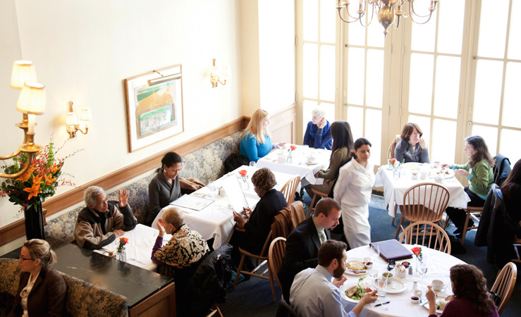 Sarabeth's: Recommended by: Katie Couric (Global Anchor, Yahoo News),  Robbie Myers (Editor-in-Chief, ELLE)