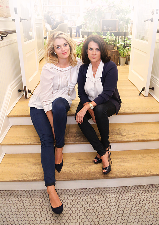 Daphne Oz And Lisa Oz Mother S Day 2015