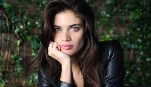 sara-sampaio-pink-victorias-secret
