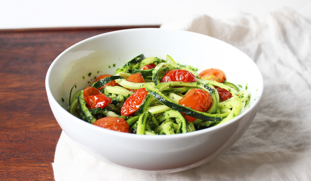 zucchini-noodles-with-kale-pesto-and-tomatoes