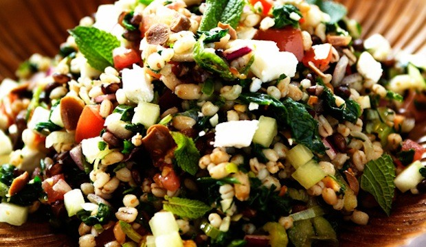 barley-salad-with-cucumber-feta-and-onions-620x360