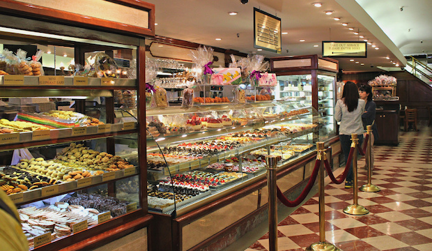 Ferrera Bakery & Cafe: Recommended by: Alex Guarnaschelli (Iron Chef)