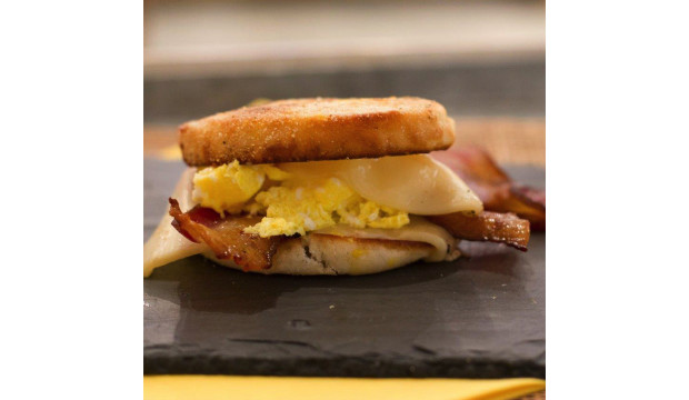 murray s cheese order the breakfast melt