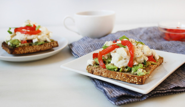 healthy breakfast sandwich with egg whites and avocado