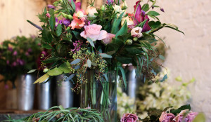 how-to-arrange-flowers-at-home