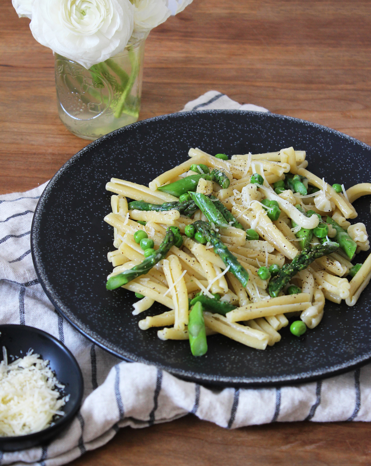 pasta-with-asparagus-and-peas