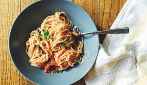 30 Minute Fresh Summer Sauce and Spaghetti - Get the Recipe!