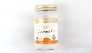 Coconut Oil: Dandruff, hair loss, + split ends relief - yes please! Coconut oil is also hydrating for those hot + dry summer months, for both your hair + nails!