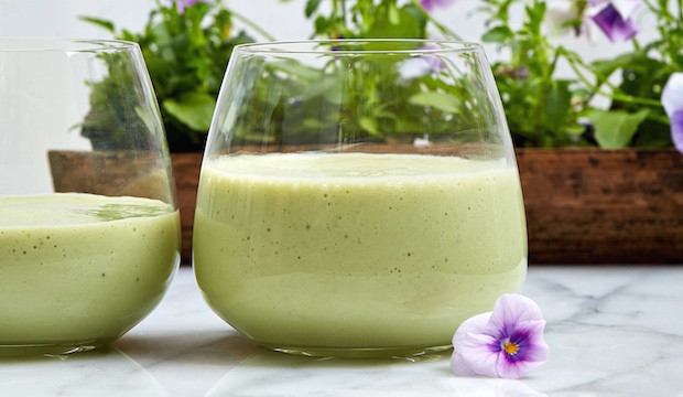 Breakfast Smoothie with Oats: From Dr. Daryl Gioffre