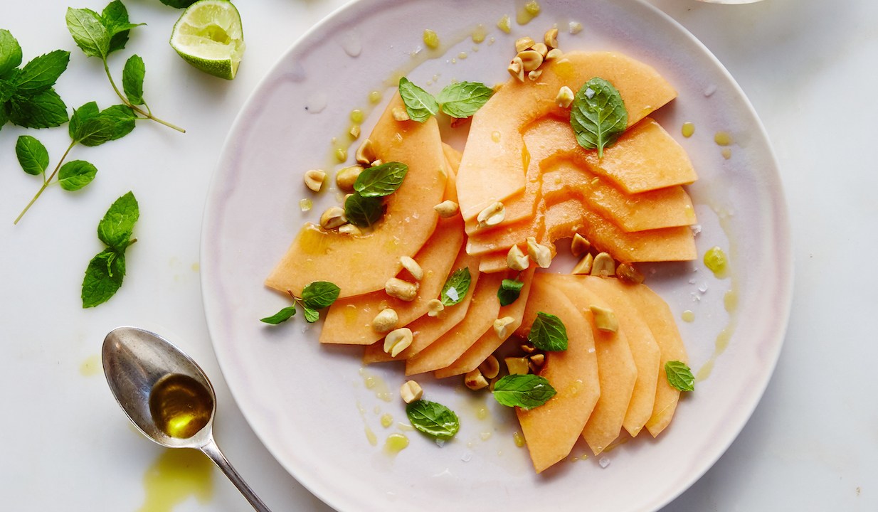 Melon with Mint and Peanuts