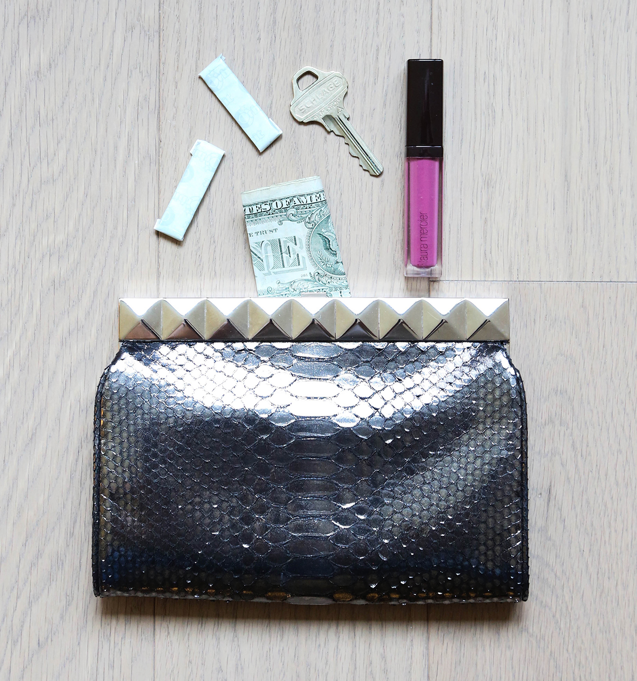 What To Put In Your Handbag