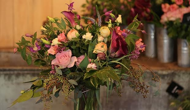 How To Arrange Flowers For Spring