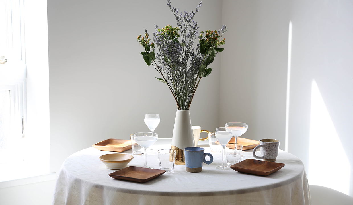 How To Arrange Spring Flowers: Impress Your Dinner Party Guests