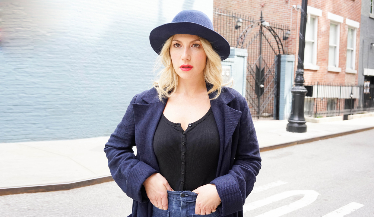 Actress Ari Graynor: On Advice From Jim Carrey, Calorie-Free Food, And High Waisted Jeans